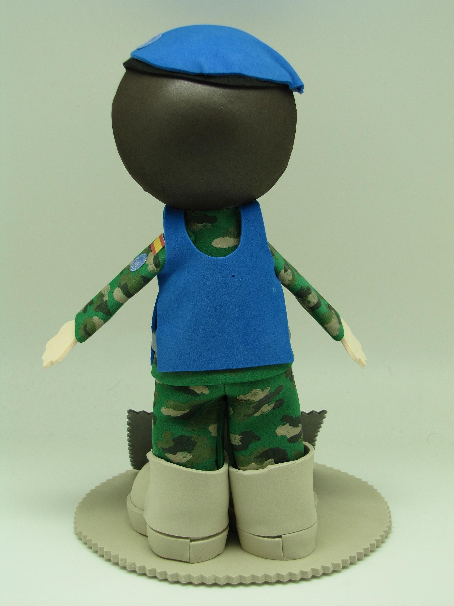 Foto 3 Fofucha Militar de casco azul